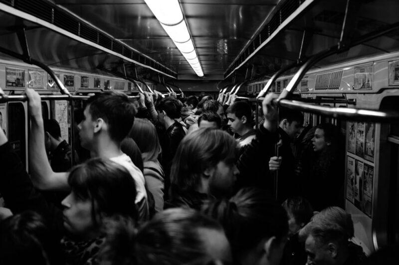 満員電車のストレスを軽減させる対策を4つ紹介!
